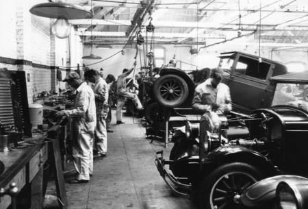 old-time-auto-mechanics.jpg